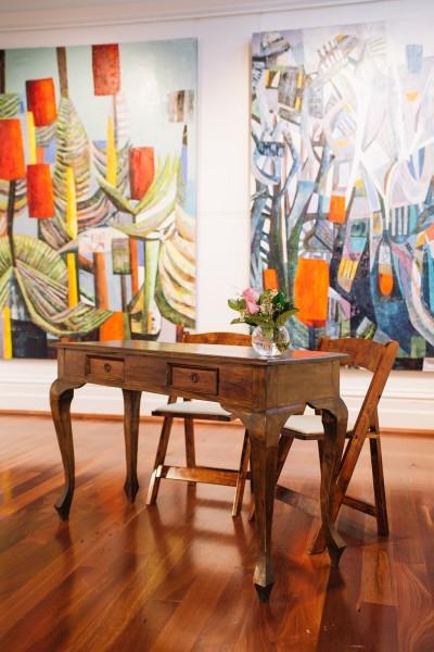 Brown Signig Table