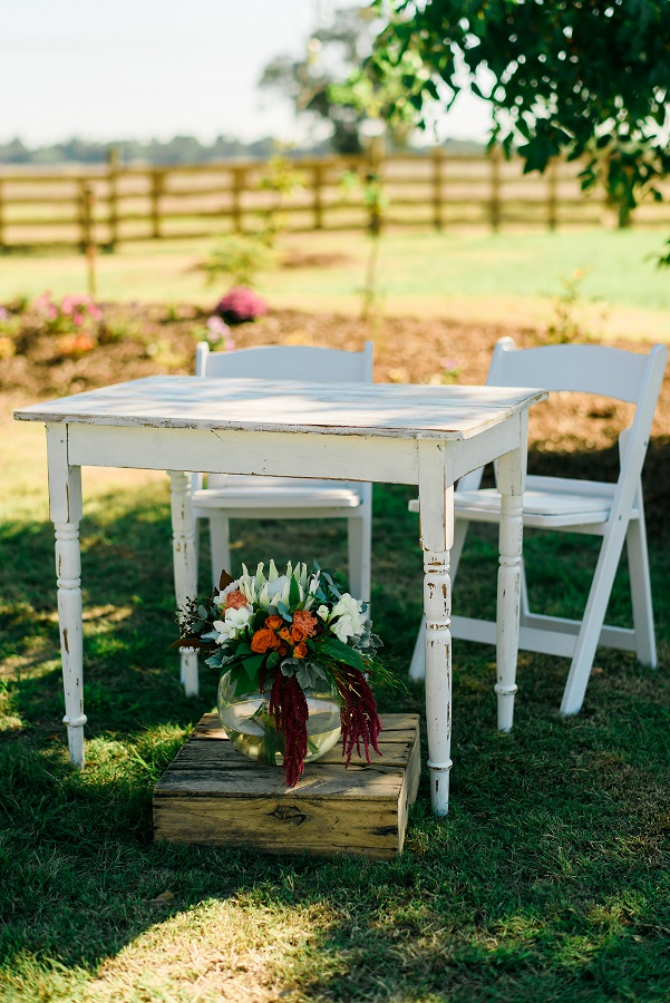 Country Style Signing Table